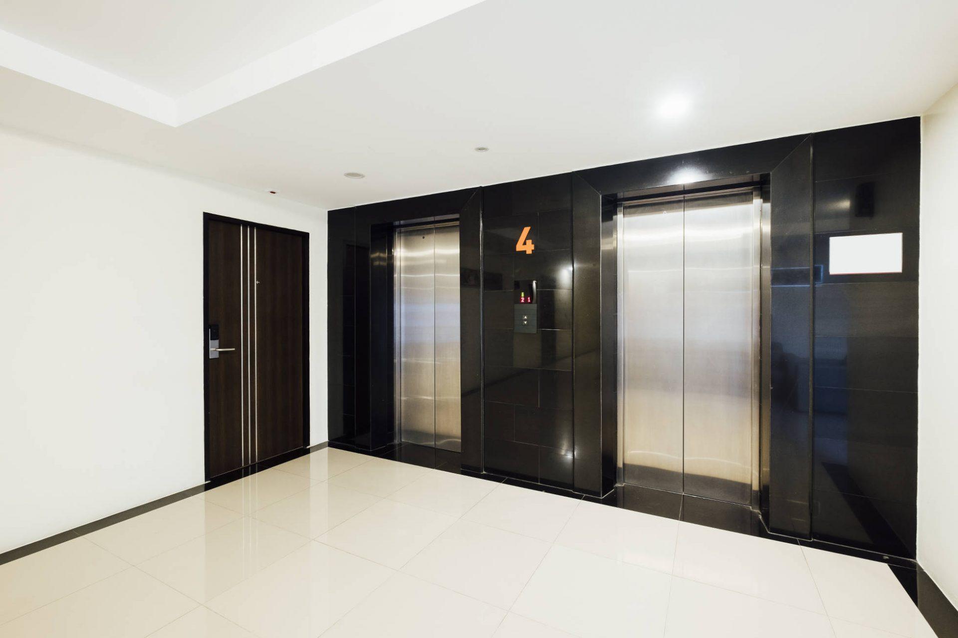 Porte d'intérieur design dans un appartement